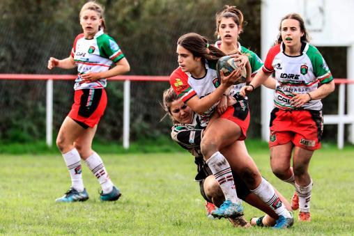 Orgullosos patrocinadores del equipo de rugby femenino de Hernani.